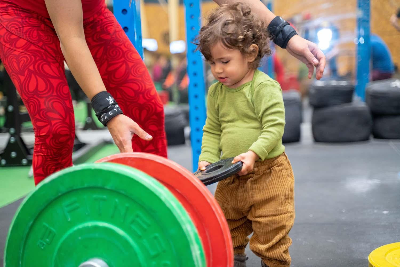 Copiii și ridicarea de greutăți